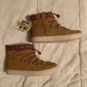 Toms Alpine Boots